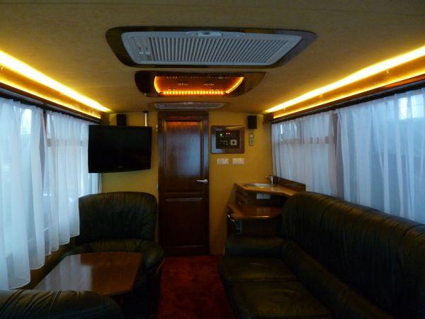 targyalobusz-biwak-egyedi-lakoauto-gyartas-szalay-ikarus-2010-kesz-0002291F43797-DFC4-F845-7325-424C0A48876D.jpg