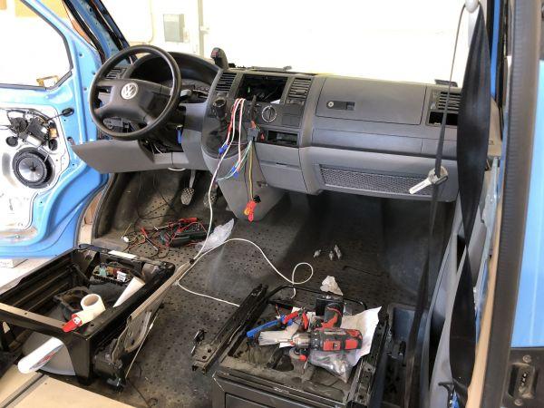 kempingauto-biwak-egyedi-lakoauto-gyartas-vw-t5-2018-epul-0001844AD8BEA-0D8C-6C65-C2DD-340F7700811A.jpg