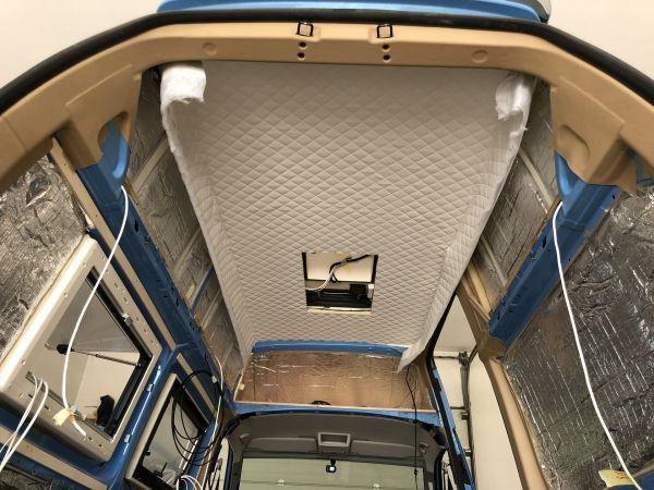 kempingauto-biwak-egyedi-lakoauto-gyartas-vw-t5-2018-epul-00021268BB25B-67BA-B72F-B4B9-E6E7D5DFB121.jpg