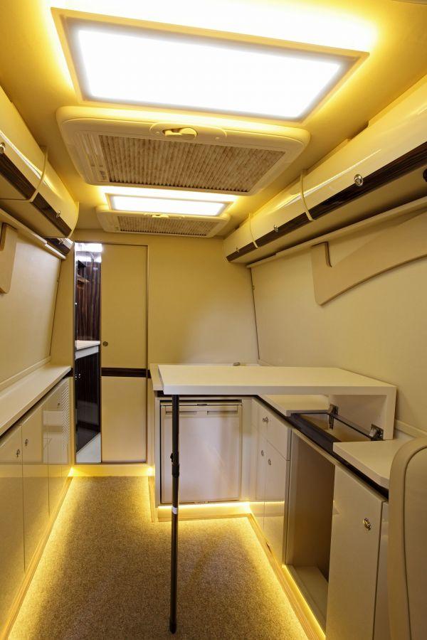 targyalobusz-biwak-egyedi-lakoauto-gyartas-mb-sprinter-2011-kesz-00004236A661E-01AE-9EF5-0B70-B38D4839CA17.jpg