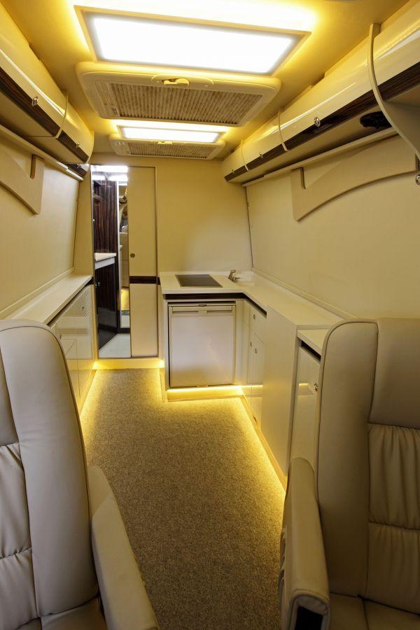 targyalobusz-biwak-egyedi-lakoauto-gyartas-mb-sprinter-2011-kesz-00006D7034736-9D40-32C1-5101-B4B6DBDE8590.jpg