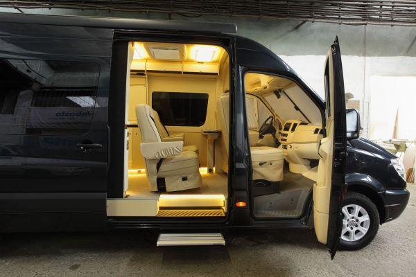 targyalobusz-biwak-egyedi-lakoauto-gyartas-mb-sprinter-2011-kesz-000102A2E4236-1C40-AED3-1845-026EB792FDB5.jpg