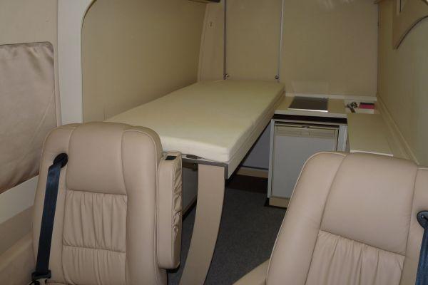 targyalobusz-biwak-egyedi-lakoauto-gyartas-mb-sprinter-2011-kesz-00035A562C629-774D-3DE5-BD1D-4BE26595E7AA.jpg