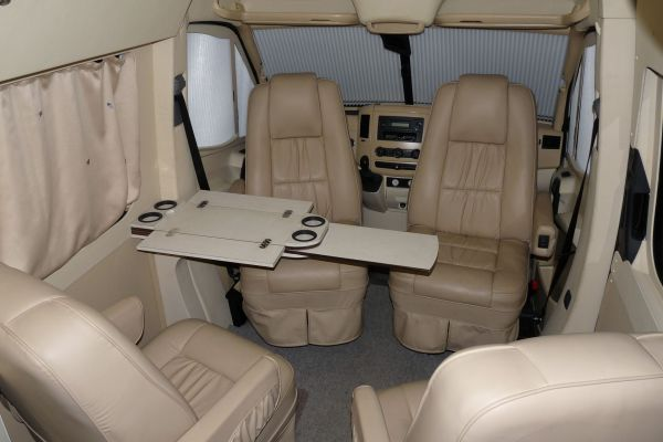 targyalobusz-biwak-egyedi-lakoauto-gyartas-mb-sprinter-2011-kesz-0004123F39EA2-85E0-C2A5-99E3-53B4E3DBD802.jpg