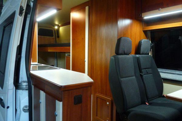 lakoauto-biwak-egyedi-lakoauto-gyartas-vw-crafter-2013-kesz-0000828EE1A8F-3F2B-061B-B94B-2F7E621ED2C8.jpg