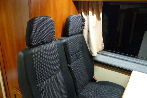 lakoauto-biwak-egyedi-lakoauto-gyartas-vw-crafter-2013-kesz-0001261AE83E0-A186-A17F-57DB-0063EE6F5A89.jpg