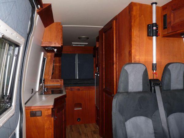 lakoauto-biwak-egyedi-lakoauto-gyartas-iveco-daily-2010-kesz-0000187B4AFE6-26CC-9751-259D-A1300E6E065D.jpg