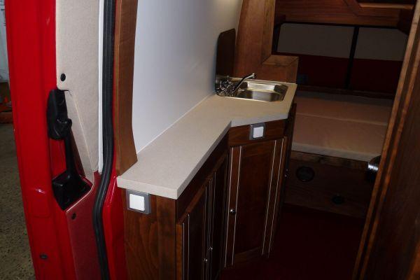lakoauto-biwak-egyedi-lakoauto-gyartas-vw-crafter-2009-kesz-0001394F5566A-07E2-3B21-09D9-D7FD2A76B6AD.jpg