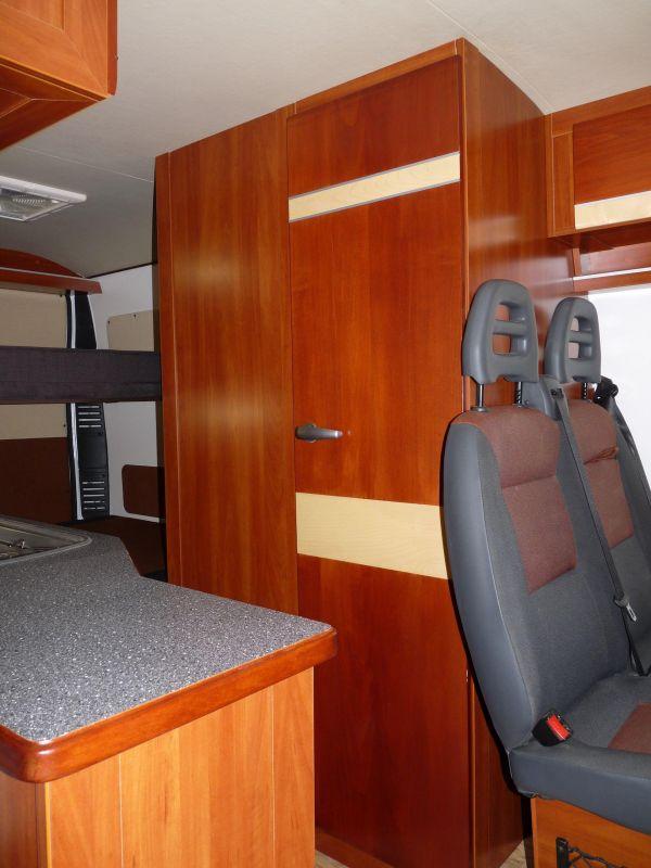 lakoauto-biwak-egyedi-lakoauto-gyartas-fiat-ducato-2009-kesz-0001995617363-E713-9BD6-4D2C-0333B7AF0629.jpg