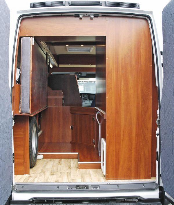 lakoauto-biwak-egyedi-lakoauto-gyartas-iveco-daily-2008-kesz-00001DF392E4E-C090-6688-F5D8-A3318F09E575.jpg