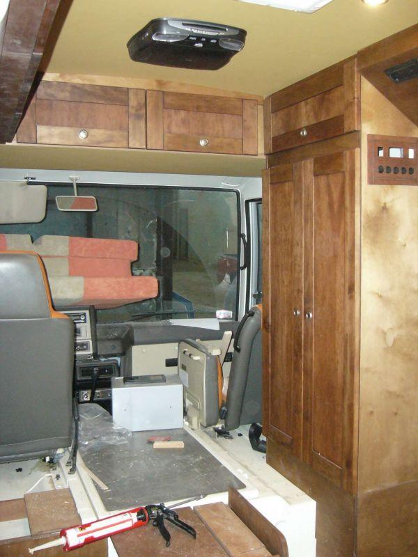 lakoauto-biwak-egyedi-lakoauto-gyartas-nissan-civilian-2007-epul-0001947E3669B-E8A2-8BB1-DBD9-DAD89134B967.jpg