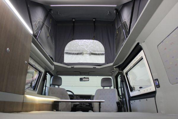 kempingauto-biwak-egyedi-lakoauto-gyartas-vw-t4-2006-kesz-00035CE2ABD44-A101-1561-4950-09F2735D9D53.jpg