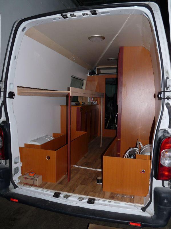 kempingauto-biwak-egyedi-lakoauto-gyartas-renault-master-2010-epul-0001944686768-3AB7-EA5D-CDC7-CDE73CA56417.jpg