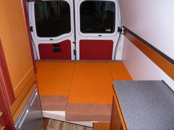 kempingauto-biwak-egyedi-lakoauto-gyartas-renault-master-2010-kesz-00024E3F9875C-9E01-3C15-6DB7-3D91EE0EE133.jpg