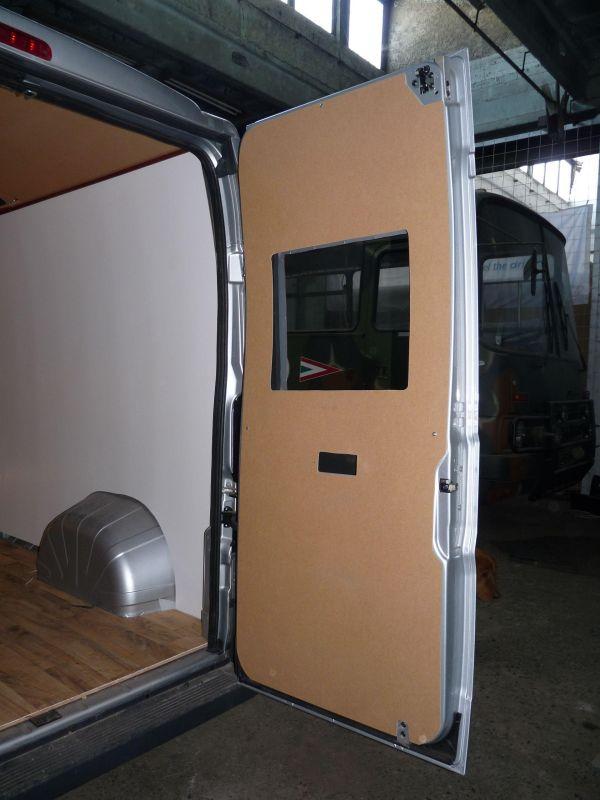 kempingauto-biwak-egyedi-lakoauto-gyartas-citroen-jumper-2010-epul-000067C112B99-B5B9-8E36-3DC2-C5A0BD55FD5E.jpg