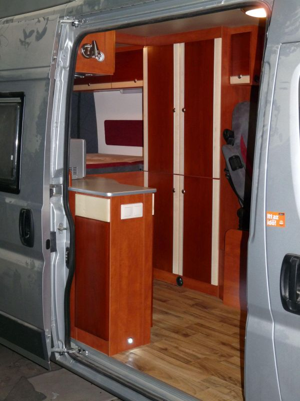 kempingauto-biwak-egyedi-lakoauto-gyartas-citroen-jumper-2010-kesz-00008C64925F0-4C98-7FA5-3654-690647AB3986.jpg