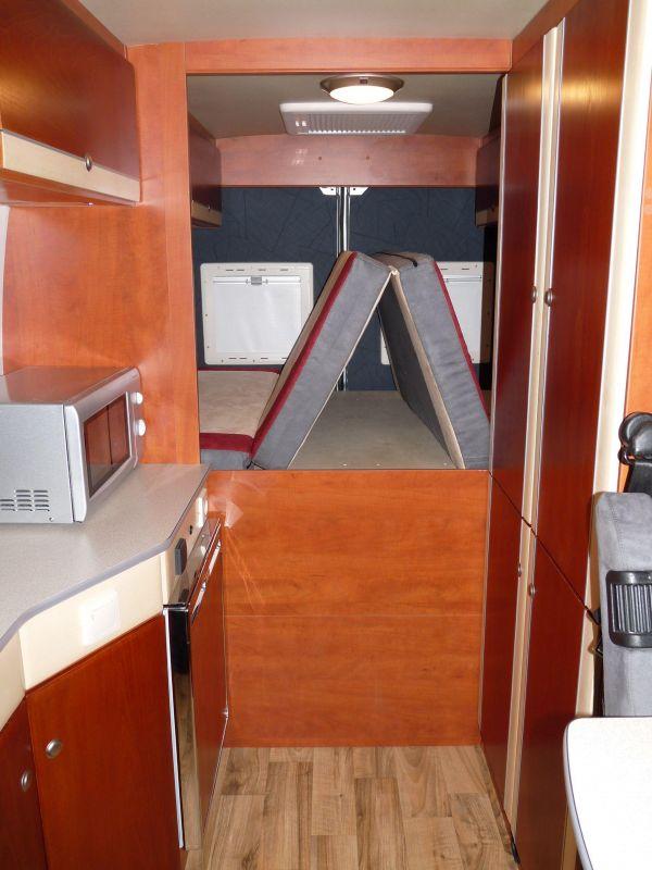 kempingauto-biwak-egyedi-lakoauto-gyartas-citroen-jumper-2010-kesz-000292DE1EF1B-1460-96A3-E4F3-2F54C30F96CA.jpg