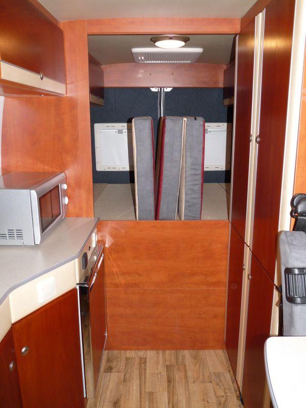 kempingauto-biwak-egyedi-lakoauto-gyartas-citroen-jumper-2010-kesz-00030041027BA-9844-41F7-B0BA-6662DCDE67A7.jpg