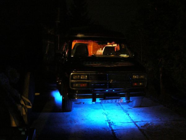 kempingauto-biwak-egyedi-lakoauto-gyartas-chevrolet-van-2007-kesz-00031B956415D-6647-8561-2DC2-8634942DFA5B.jpg