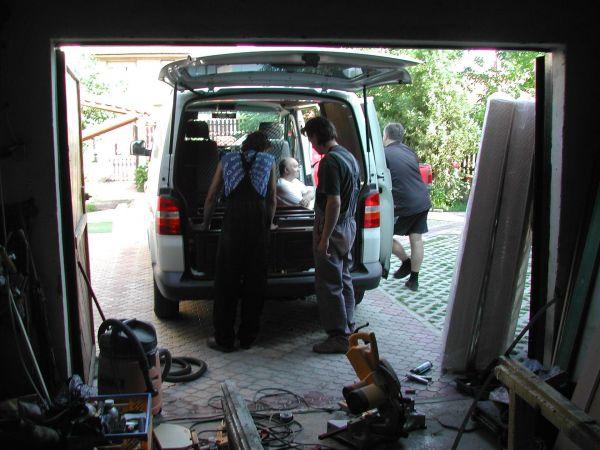 kempingauto-biwak-egyedi-lakoauto-gyartas-vw-t5-2004-epul-000010ADC7695-031D-CEB9-C91D-F4E1D7F32C7C.jpg