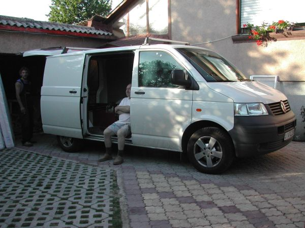 kempingauto-biwak-egyedi-lakoauto-gyartas-vw-t5-2004-epul-000039D763D1B-A040-F1EF-8B84-C343DC23E422.jpg