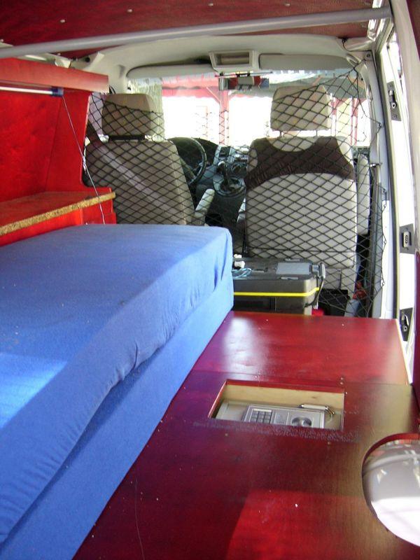kempingauto-biwak-egyedi-lakoauto-gyartas-vw-t5-2004-kesz-00005956742B0-F607-165C-D694-11F17CA1F613.jpg