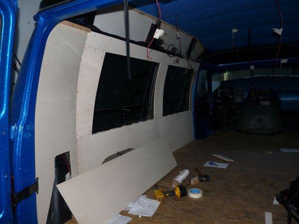 targyalobusz-biwak-egyedi-lakoauto-gyartas-gmc-vandura-2011-epul-00004391DC5A4-AF4A-F9BD-2FA5-3EF45D9F6BF3.jpg