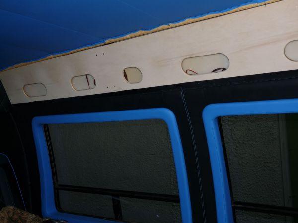 targyalobusz-biwak-egyedi-lakoauto-gyartas-gmc-vandura-2011-epul-000106D102EA2-B650-9CA4-CB2A-38A163C34737.jpg