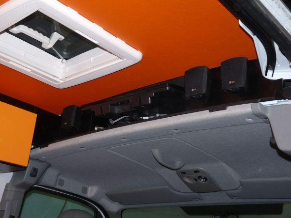 specialis-lakojarmu-biwak-egyedi-lakoauto-gyartas-renault-master-gokart-szallito-2009-epul-000215E9150E9-FEF0-9B4B-3969-5FA6CA1968D6.jpg