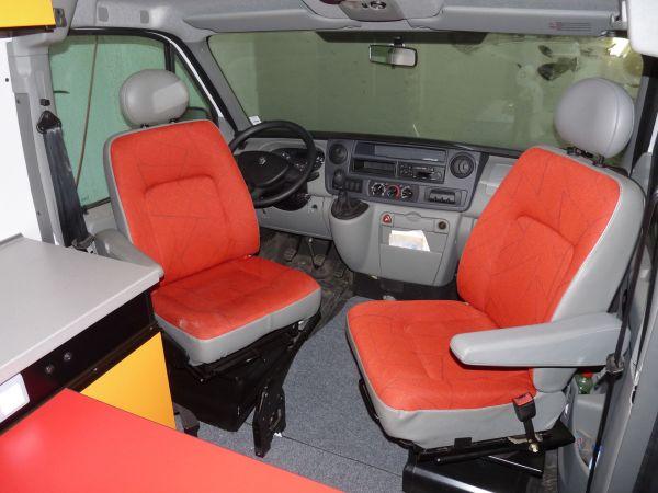 specialis-lakojarmu-biwak-egyedi-lakoauto-gyartas-renault-master-gokart-szallito-2009-kesz-000254EEBB506-E9A6-1AA0-2A84-90E0C9A7FCCF.jpg
