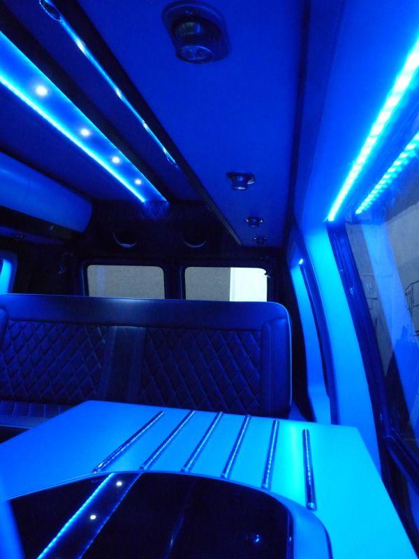 targyalobusz-biwak-egyedi-lakoauto-gyartas-gmc-vandura-2011-kesz-00021DF9274E0-BD42-6945-41CD-49E94D9E8E85.jpg