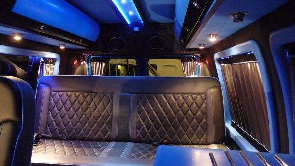 targyalobusz-biwak-egyedi-lakoauto-gyartas-gmc-vandura-2011-kesz-000234D435CB3-1AB8-DD7A-A058-C0C8D999D295.jpg