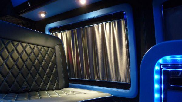 targyalobusz-biwak-egyedi-lakoauto-gyartas-gmc-vandura-2011-kesz-000324B35B9DD-4780-A868-B37A-C256B63E9330.jpg