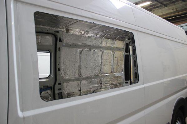 munka-jarmu-biwak-egyedi-lakoauto-gyartas-citroen-jumper-7sz-muhelykocsi-2013-epul-000018E33A0F2-A1D7-00CF-2DF1-E318A5725544.jpg
