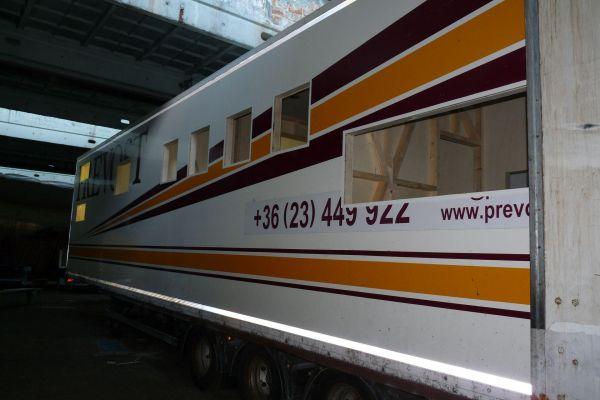 munka-jarmu-biwak-egyedi-lakoauto-gyartas-alcar-felpotkocsi-mobil-telephely-2013-epul-0001629F9A49C-BC74-8C44-FA36-21D876292057.jpg
