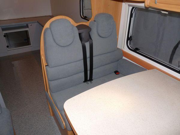 munka-jarmu-biwak-egyedi-lakoauto-gyartas-chausson-roadshow-auto-2009-kesz-000122A767A48-62FF-17FF-A227-C91AD0B0A1A5.jpg