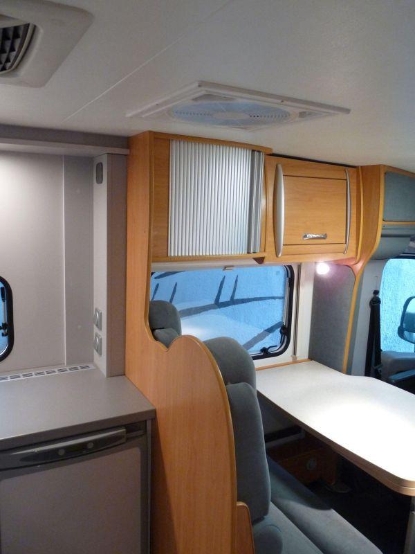 munka-jarmu-biwak-egyedi-lakoauto-gyartas-chausson-roadshow-auto-2009-kesz-000219672392D-BFC5-5B79-3FFB-9CA14C6D500E.jpg