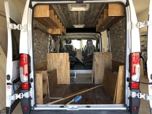 kempingauto-biwak-egyedi-lakoauto-gyartas-fiat-ducato-hutte-2017-epul-000188D359366-2509-3DC0-0A64-59ED5E21BFE6.jpg